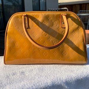 Louis Vuitton Tompkins Giant satchel 😊